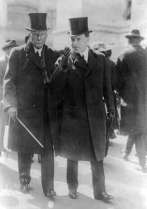 Джон Д. Рокфеллер (слева) и его сын Джон Д. Рокфеллер-младший.