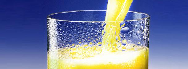 стакан воды с лимонным соком