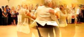 пенсионеры танцуют